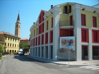 NEGOZIO/UFFICIO NUOVO IN CENTRO DAL PROPRIETARIO - 新店/辦公室在業主中心
